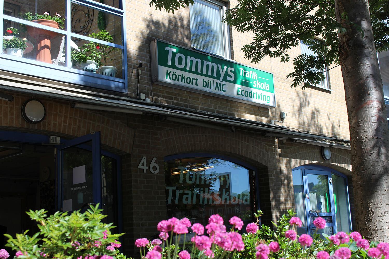 Ingången till Tommys Trafikskola